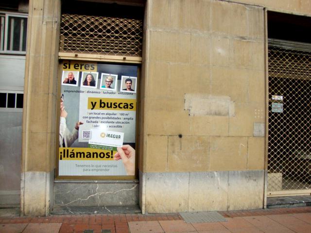 """Cartel promocional para local """"En Exclusiva"""" en calle Calvo Sotelo de Logroño, La Rioja. 2015."""